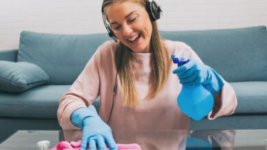 Come tenere la casa pulita in poco tempo: la sfida al riordino